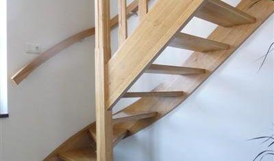 Eiken open trap op maat gemaakt, informeer naar de mogelijkheden.