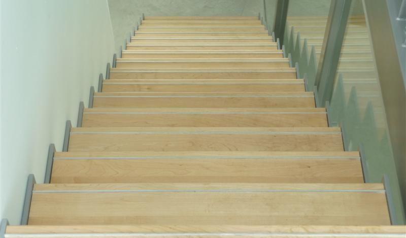 Er zijn veel materiaal combinaties mogelijk hout, glas, staal, aluminium. Informeer naar de mogelijkheden.